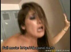 Xvideos.com novinha nua sendo arrombada com força
